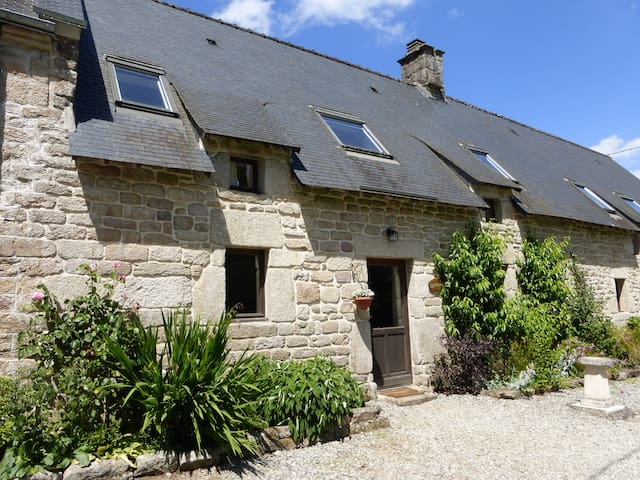 Beech Cottage; shared heated pool set in 30 acres