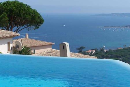 Très belle villa de grand standing avec piscine - Sainte-Maxime