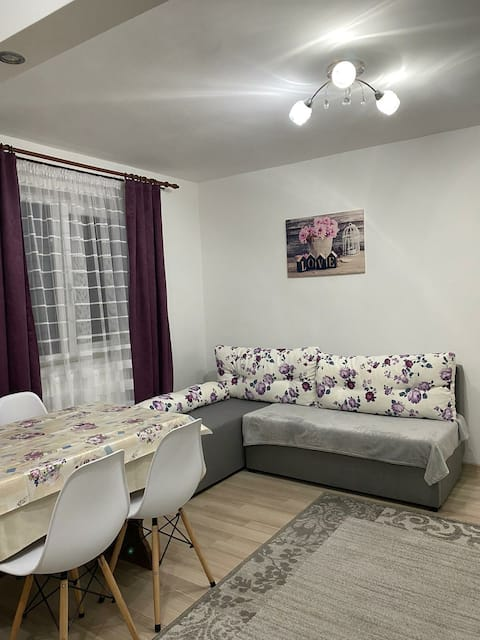 5 Residence Apartment