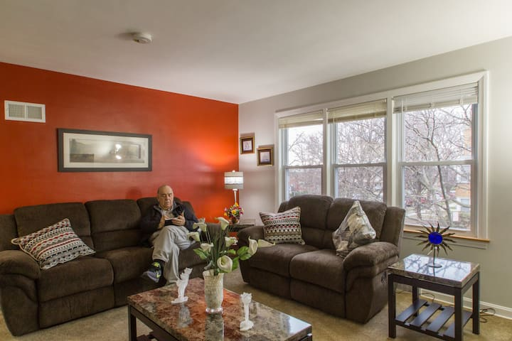 2 Bedroom Apt - Downtown Skokie - Skokie - Apartamento