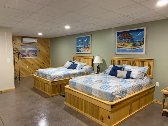 Sportsman's Rest Caribbean Room