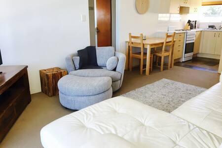 Simply Sweet, Salty Air, Seaside Apartment - Fairlight - Apartemen