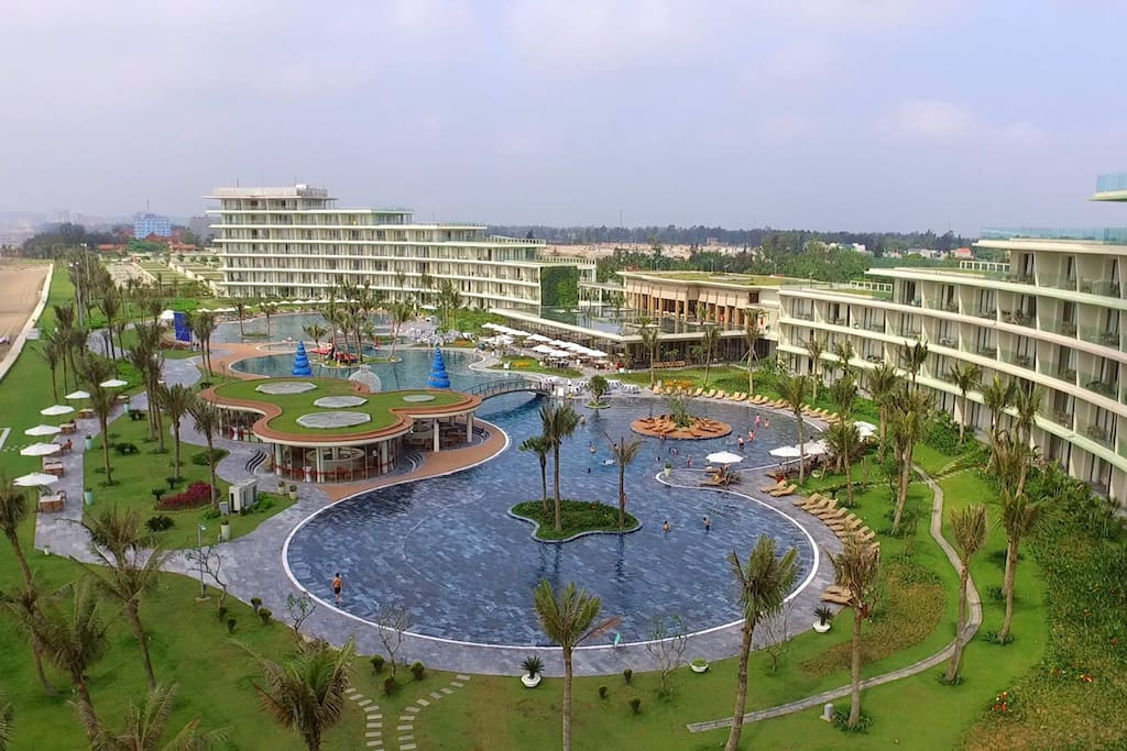 The Biggest Sea water Swimming pool in Vietnam, 10 mins by walking