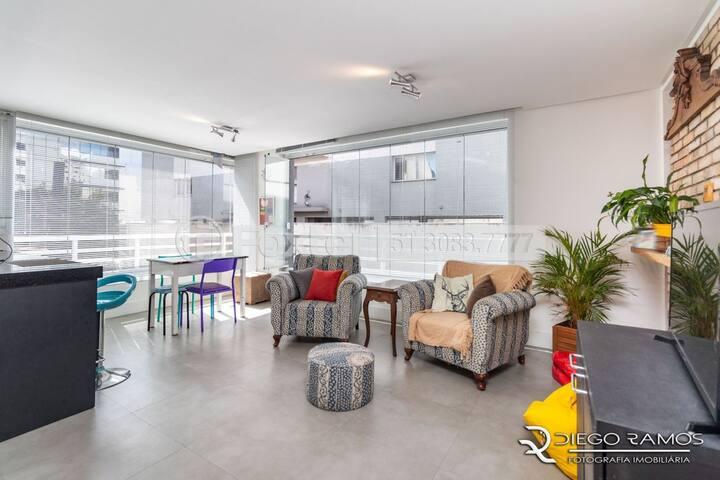 Amplo apartamento em charmoso bairro
