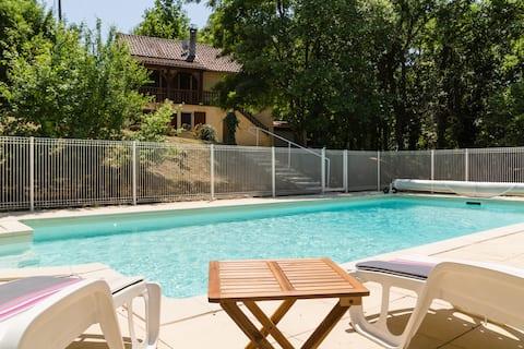 Domme-isolée-7 lits+bebe+8p+piscine+park+WiFi+TV