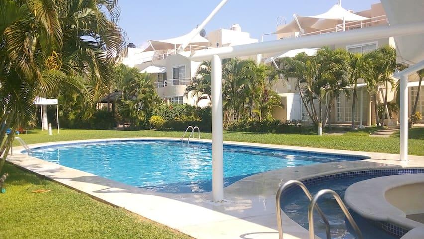 casa super grande y hermosa en puente al mar - Barra Vieja