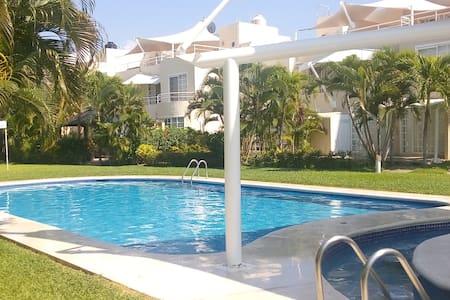 casa super grande y hermosa en puente al mar - Barra Vieja - Rumah