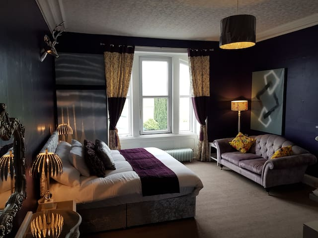 Double room - Deluxe ensuite with shower