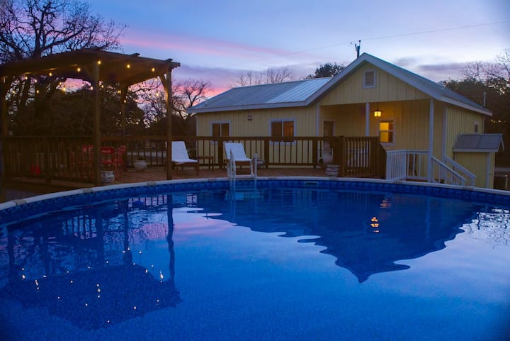 Tarpley Guesthouse |  Hill Country | Private Pool