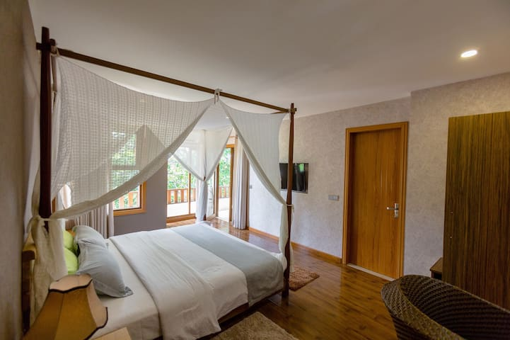 Ocean View Suite at West Sands, Ukulhas
