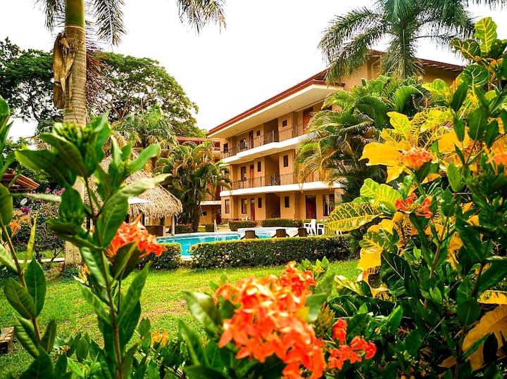 Apartamento equipado en Playa Hermosa de Jacó