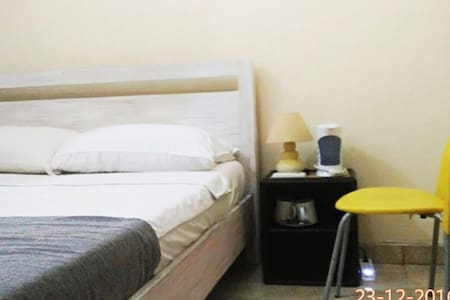 BASIC SIMPLE Double Room with AC! SELF CHECK IN! - Kecamatan Buleleng - Gästehaus