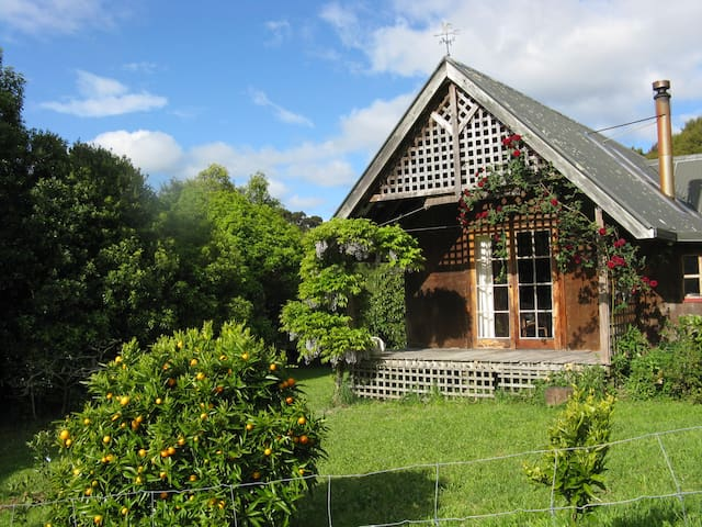 Rural Cottage near Paynes Ford, Golden Bay. - Takaka