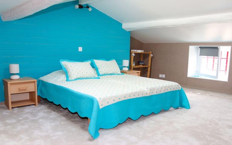 Jolie chambre, proche de Niort