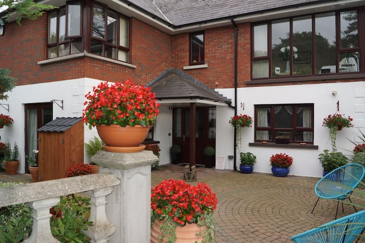 Dunleath House Bed & Breakfast - Downpatrick