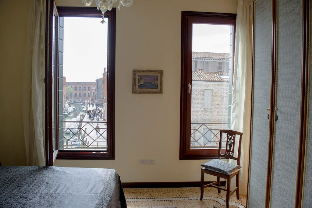 Double bedroom - View on the ''House of 7 chimneys''