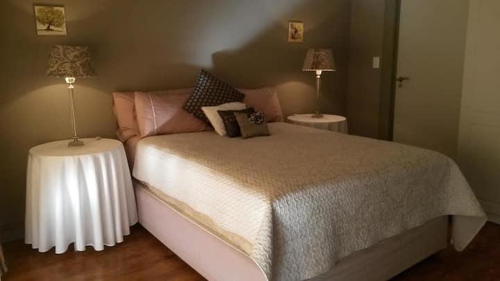 Double Room - Queen Room