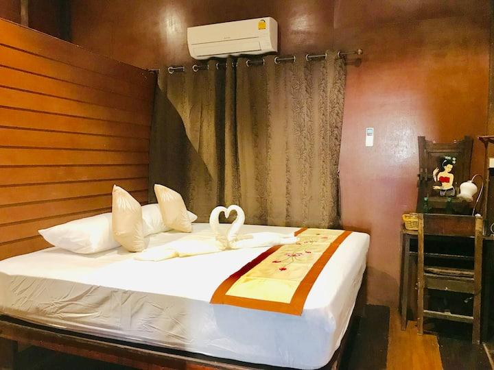 Reuan Vilawan Room 1