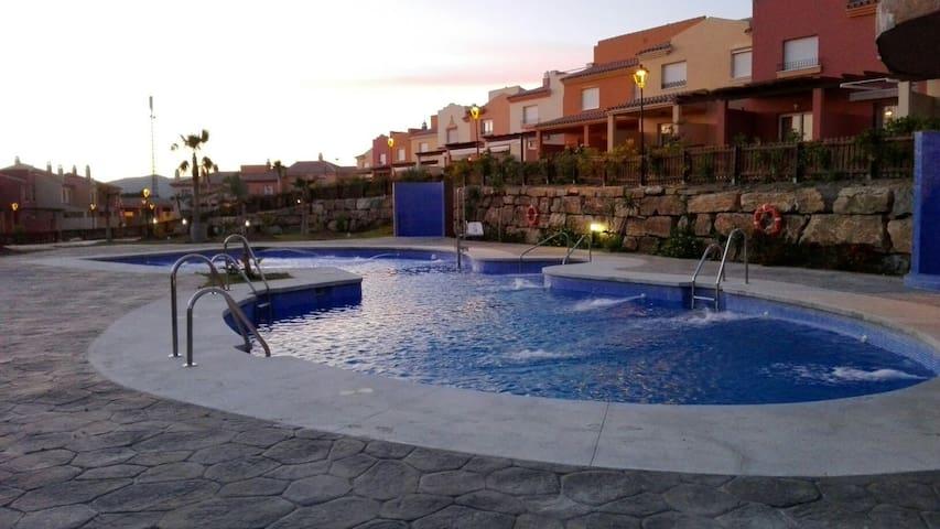 ZAHARA DE LOS ATUNES VILLA LOLUANAN. ATLANTERRA