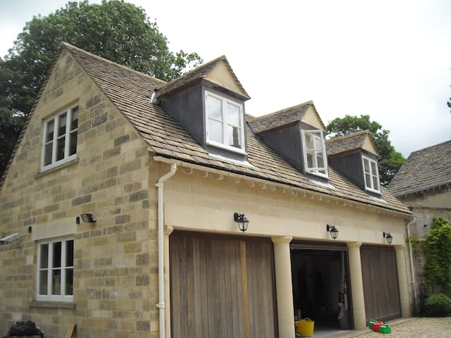 Self contained studio apartment - Pitchcombe, Stroud - Appartement