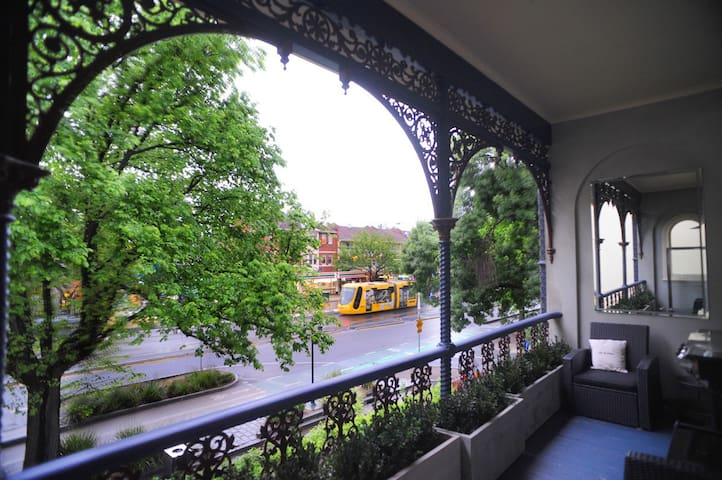 View of Fitzroy St from our balcony. The balcony has a BBQ, outdoor furniture and a fabulous water feature.