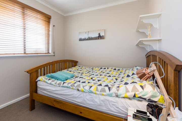 Private Room - Queen Double (2 persons) - Spearwood - House