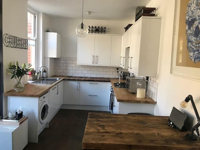 Modern one bed flat in the heart of Brixton