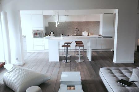 DUPLEX PROCHE VERSAILLES 110M² - Rocquencourt - Lejlighed