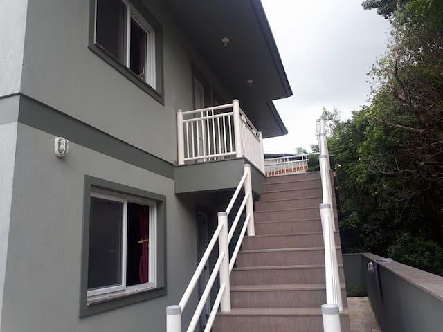 Apartamento novo, com boa localização
