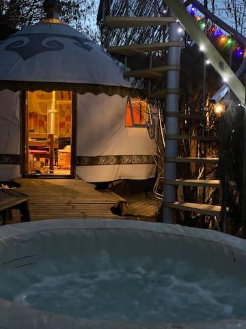Yourte  with  private hot tub Shambala