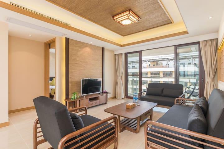 奥莱浮水洋房-三房两厅酒店式度假公寓