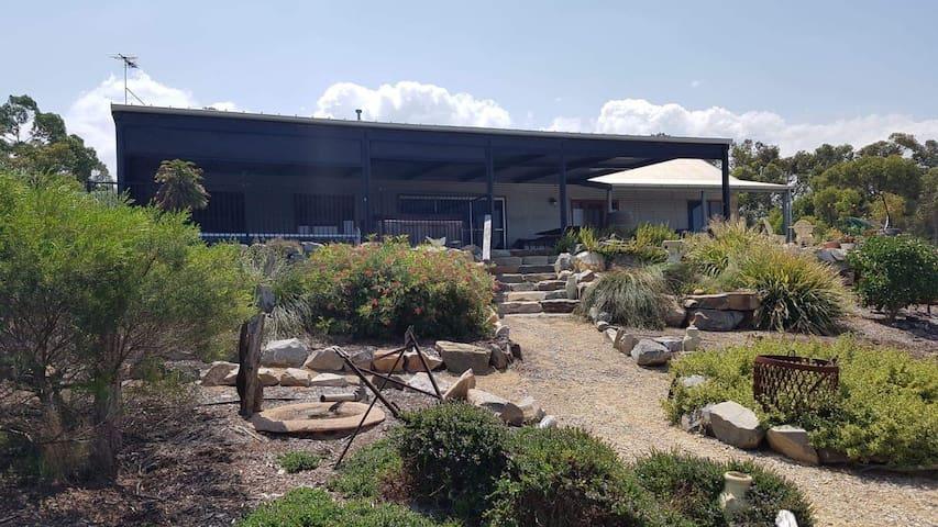 Rockfern Guesthouse - McLaren Vale