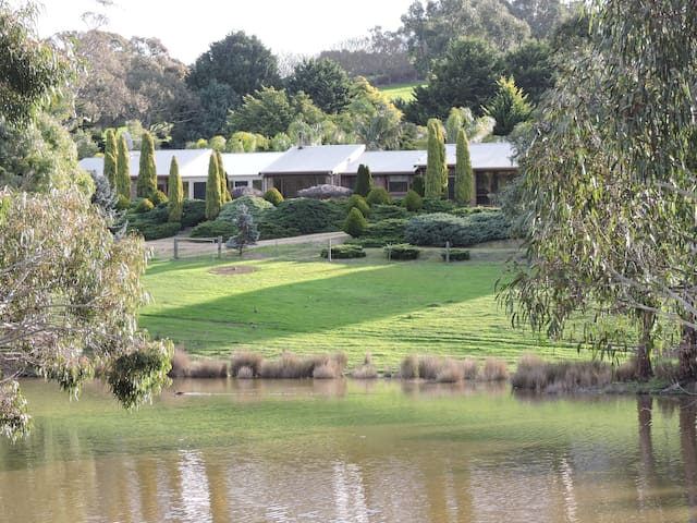 Leawarra Farm Stays - Willunga
