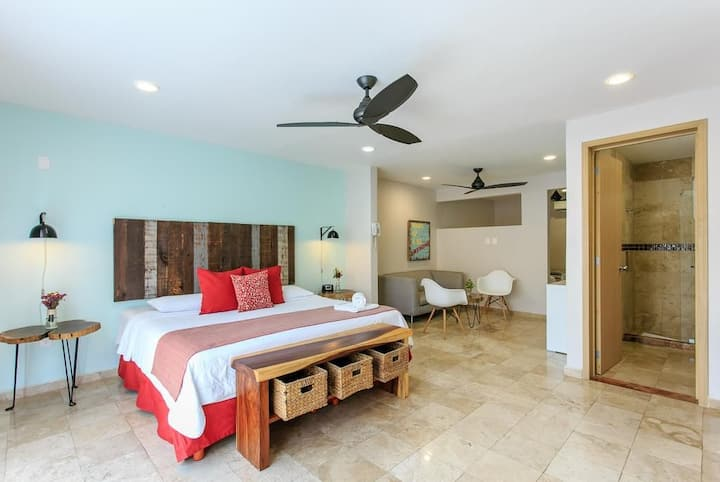 King Suite at HotelBoutique Rato10 center of Playa