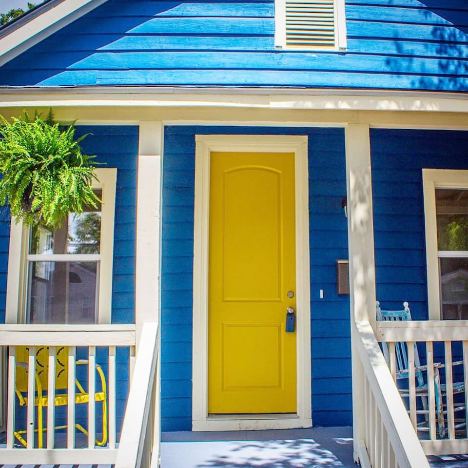 Please come and stay this happy blue house!