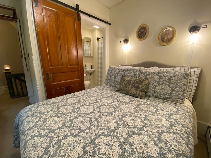 French Second Empire  Home - double bed (2)