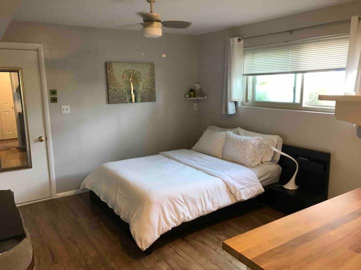 Super cute   Private Sudio   Clean   Queen bed