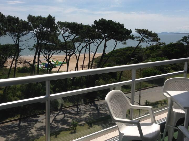 Playa Mansa frente al Mar