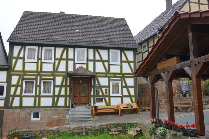 Casa per vacanze con charme in posizione centrale a Landau con giardino e balcone