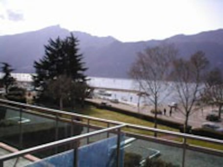 studio 2 3 pers bord lac vue lac vacances ou cure appartements louer aix les bains. Black Bedroom Furniture Sets. Home Design Ideas