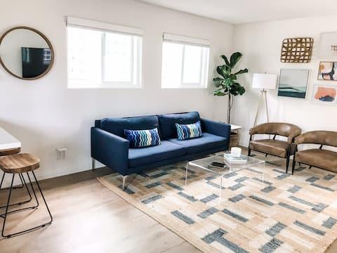 Modern + Bright CDM Coastal Home- Garage + W/D