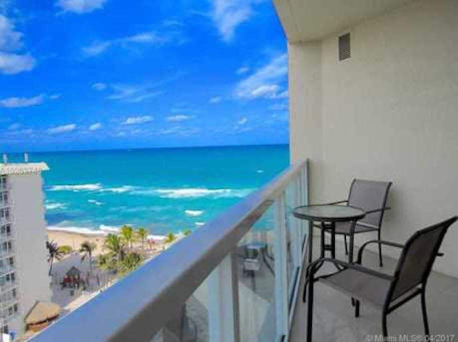 Amazing, spectacular views of the Ocean from the unit balconies