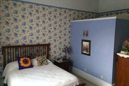 Blue Floral Room at Shaw Mansion Inn
