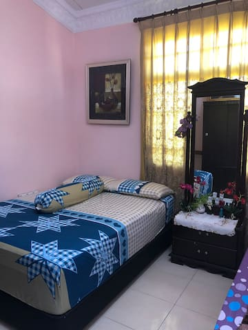 Room With Private Entrance @ Nilai Impian
