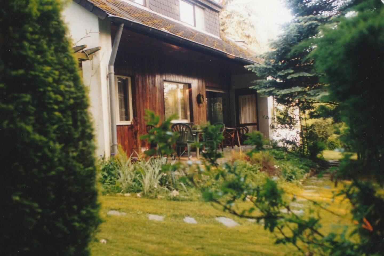 Gästehaus Forsthaus Mende mit  Terrasse und Garten.
