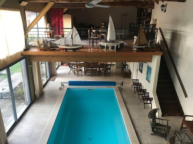 Maison bourguignonne avec piscine intérieure