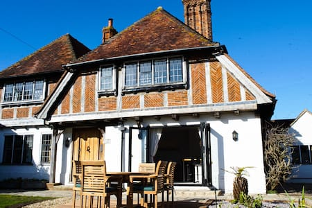 'Spindles', 2 bed house, near West Wittering beach