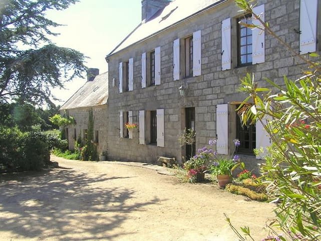 Chambres d'hôtes à la La Ferme de la Pointe du RAZ - Cléden-Cap-Sizun - Casa