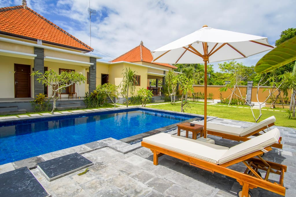 Beach town Bali-family Holiday House - Vacation homes for