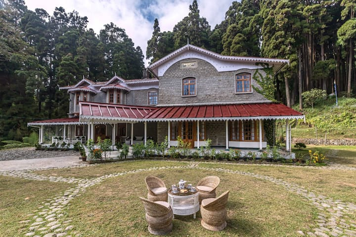 5 Bedroom Heritage Home in Takdah in Darjeeling
